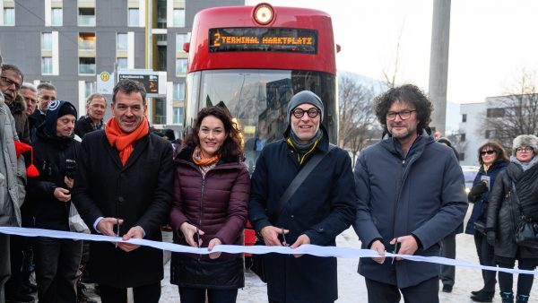 Zwei neue Straßenbahnen ersetzen in Innsbruck die Buslinie O