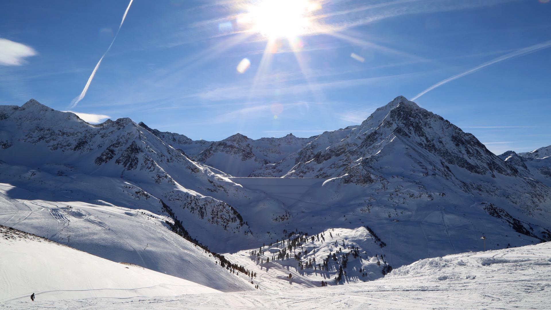 Die Skigebiete Kühtai und Hochoetz könnten mit drei Seilbahnen verbunden werden.