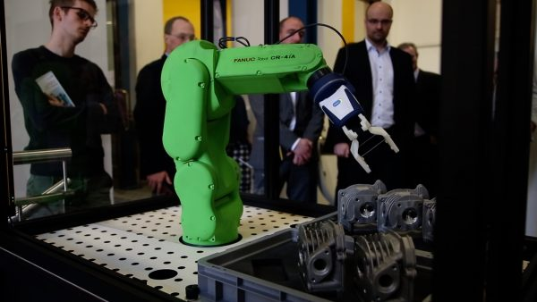 Robotik hautnah miterleben am MCI