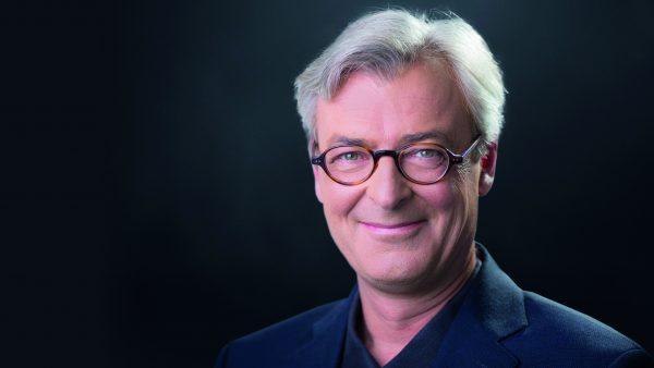 Tirol TV-Redakteur Dénes Széchényi erhält Auszeichnung zum Tiroler Lokaljournalist des Jahres