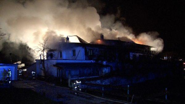 Brand eines Mehrfamilienhauses in Breitenbach