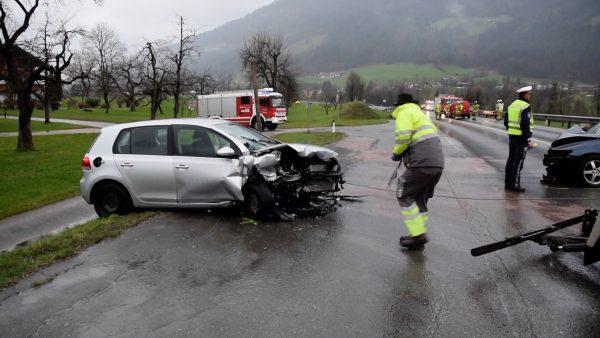 Drei Verletzte bei Massenkollision bei Wörgl