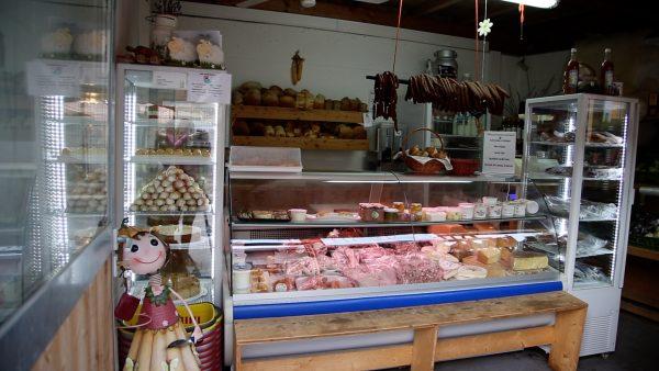 Regionale Produkte im Arzler Bauernladele