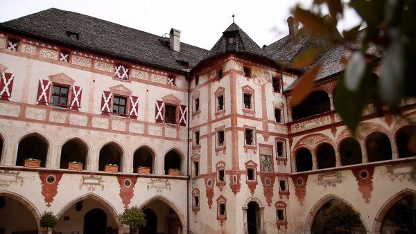Geheimnisse des Tourismus: Ein Schloss als Zuhause