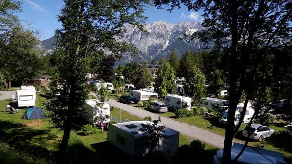 Natterer See: Ferienresort im Tiroler Mittelgebirge
