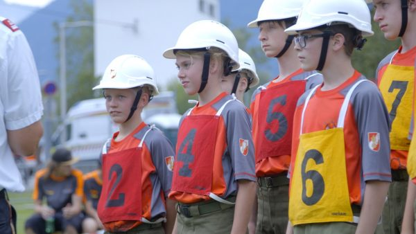 Kommando vor bei der Feuerwehrjugend