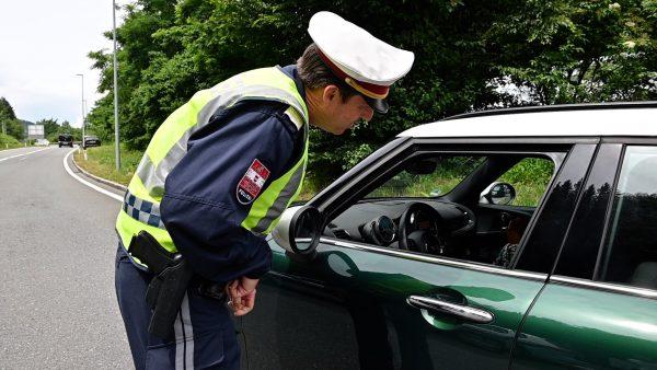 Private Sicherheitsfirmen übernehmen Verkehrskontrollen