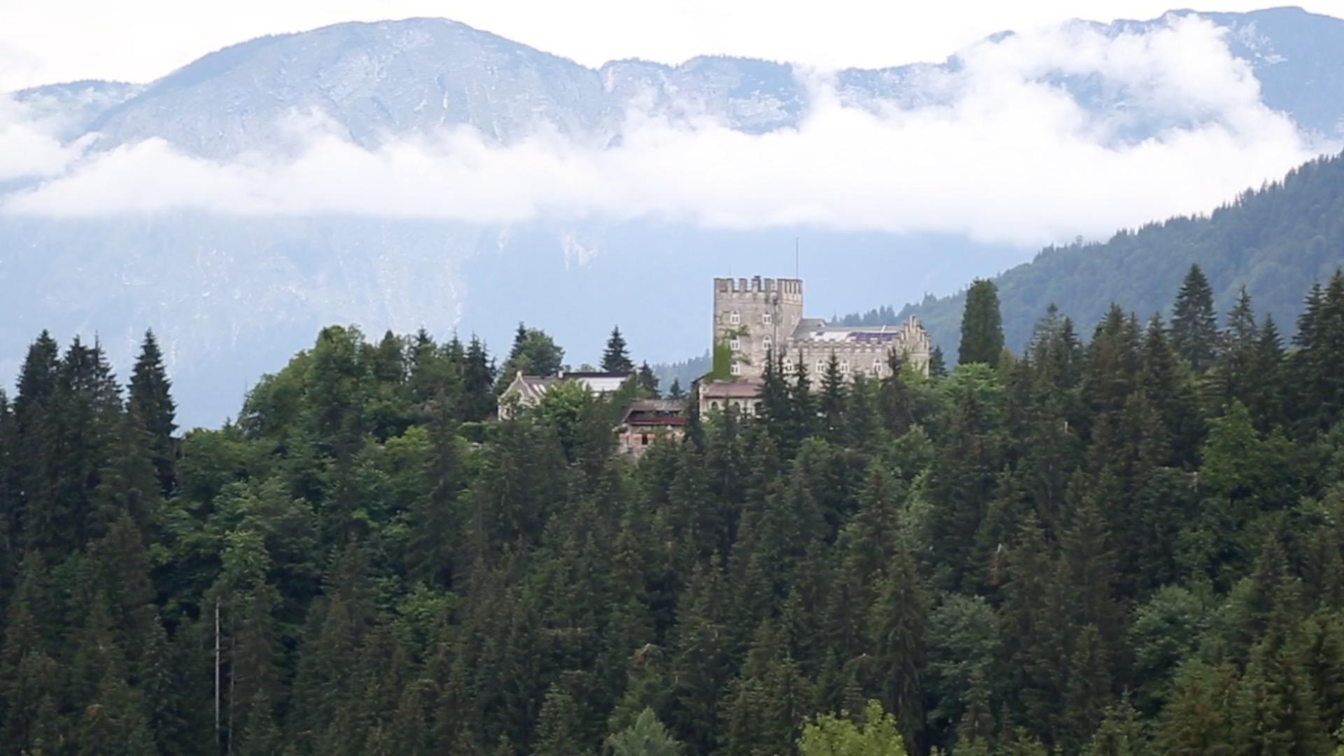 Auf historische Spurensuche im Schloss Itter