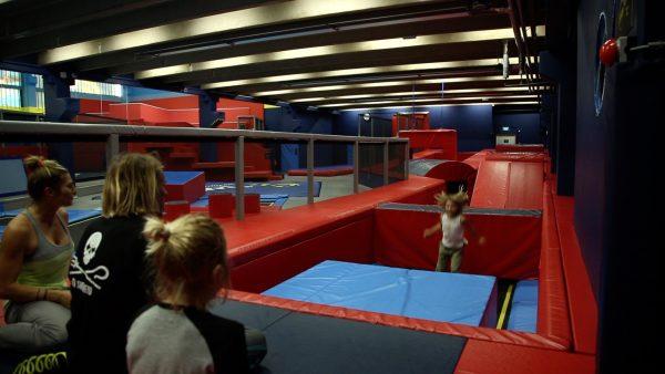 Familie Orley zu Besuch in Flip Lab in Innsbruck