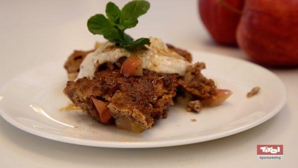 Apfel-Crumble als gesunde und schnelle Nachspeise