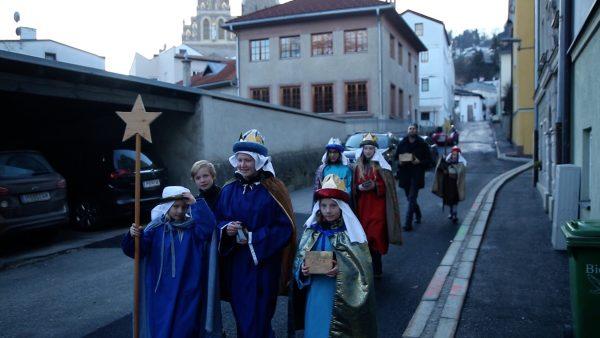 Sternsinger in Tirol unterwegs