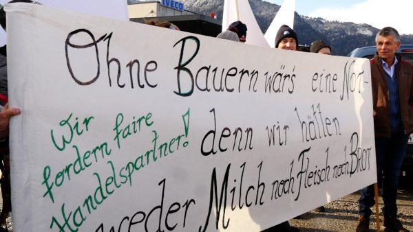 Tiroler Bauern bei der Großdemonstration in Wörgl