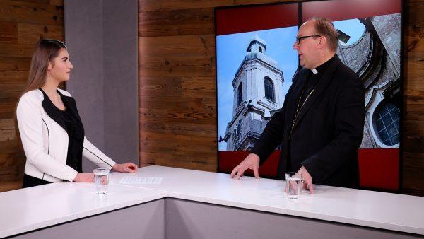 Bischof Hermann im Gespräch