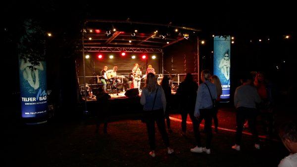 Gartenfest mit Livemusik und BBQ
