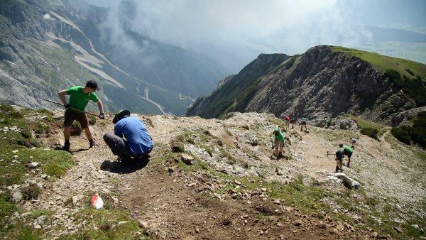 Freiwillige sorgen für Sicherheit am Berg