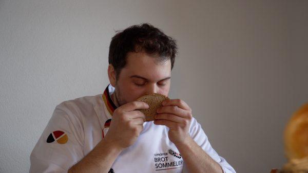 Philipp Decker ist der erste Brot-Sommelier in Tirol