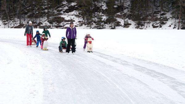 Eislaufen bis die Kufen glühen - zu viele am Eis?