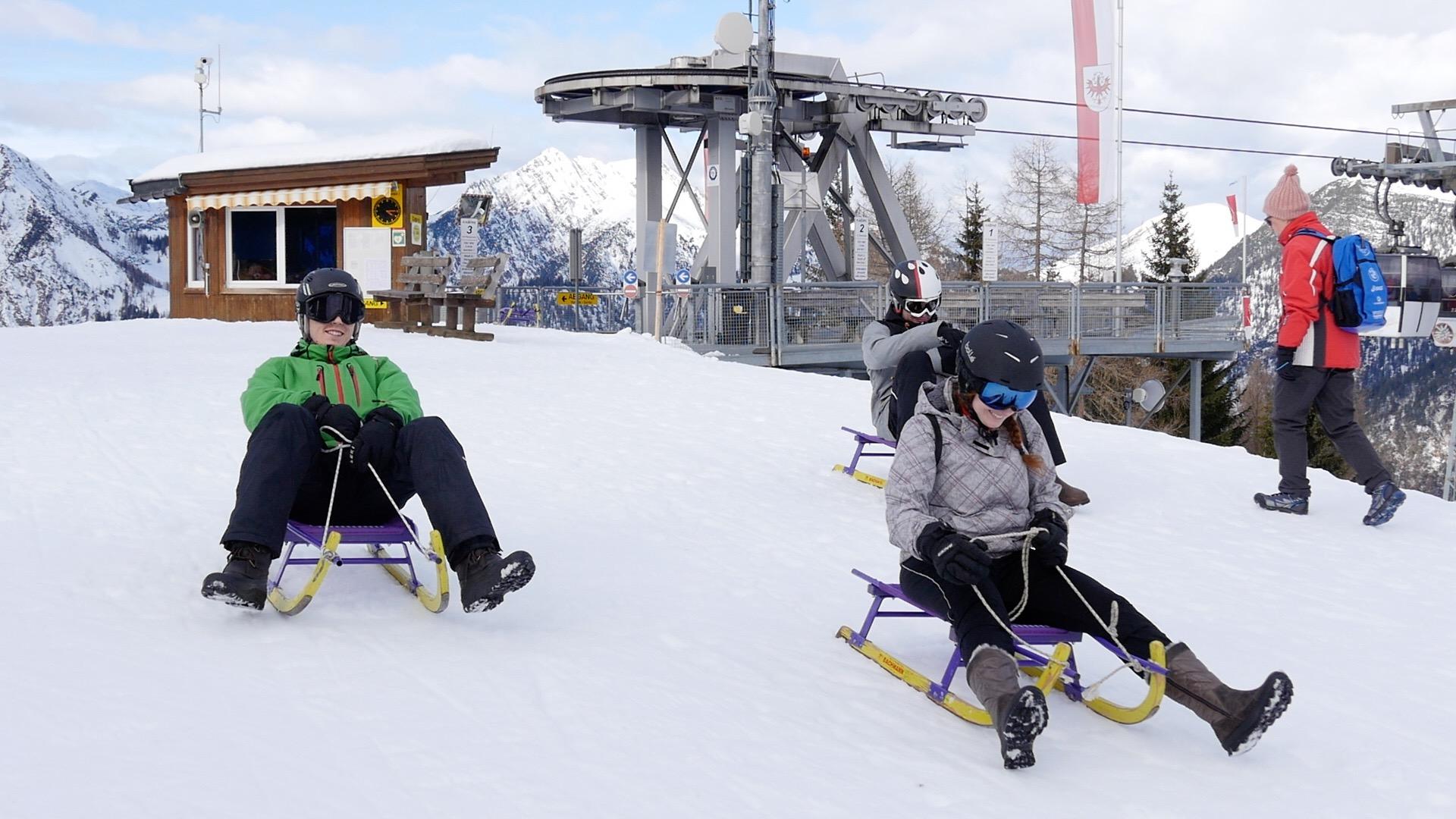Warum Rodeln gefährlicher als Skifahren ist