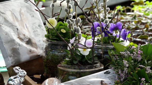 Tirol blüht auf - Ostergesteck