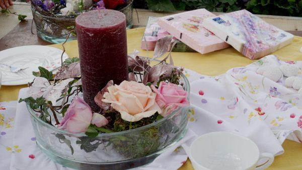 Tirol blüht auf - Leuchtende Tischdeko