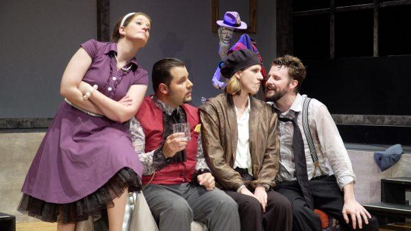 Komödie im Dunkeln bringt Licht auf die Theaterbühne